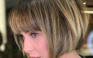 Обзор вариантов градуированного каре с челкой для волос средней длины