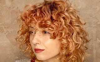 Модные стрижки на короткие кудрявые волосы для женщин