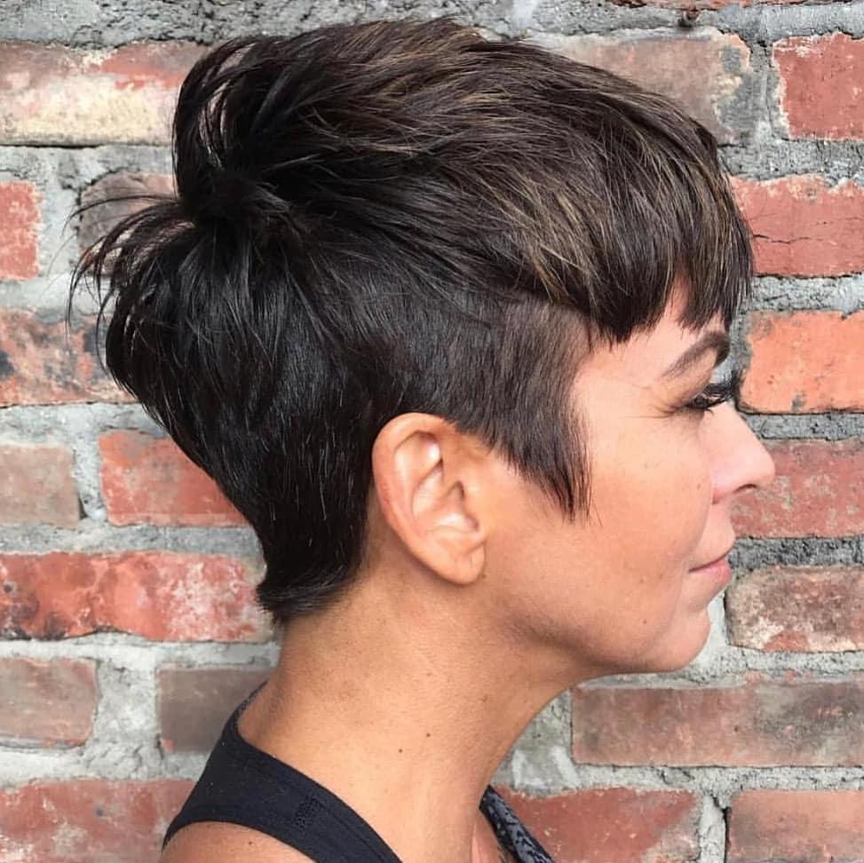 Стрижка пикси на короткие волосы для взрослых женщин