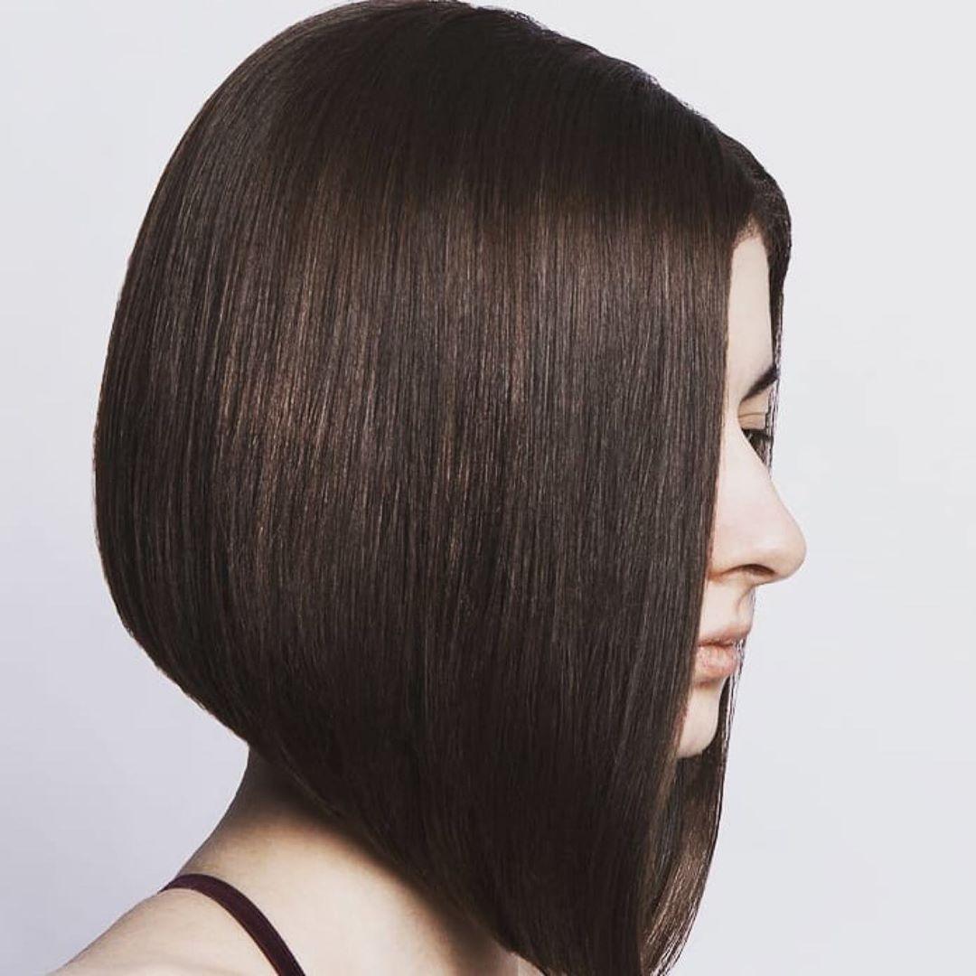 Женская стрижка каре на короткие волосы классика