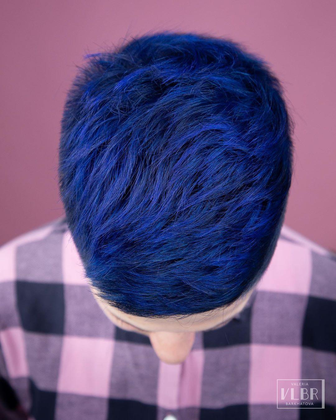 Короткая стрижка синие волосы