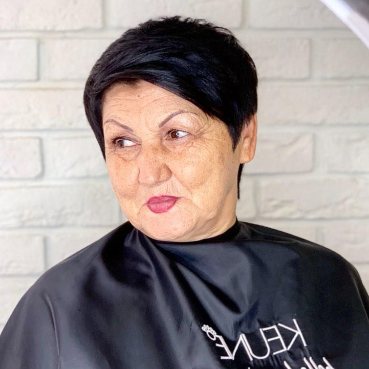 Женская стрижка для круглого лица для полного лица