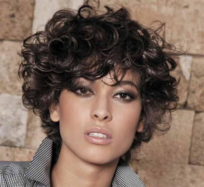 Стрижка итальянка на волнистые волосы