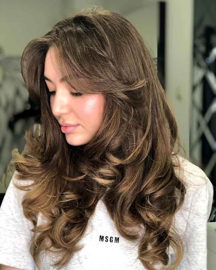 Итальянка на средние волосы с челкой