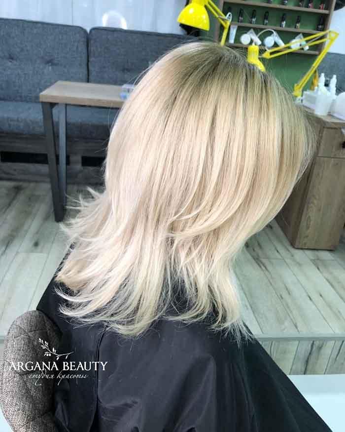 Стрижка шапочка на средние волосы на блонд