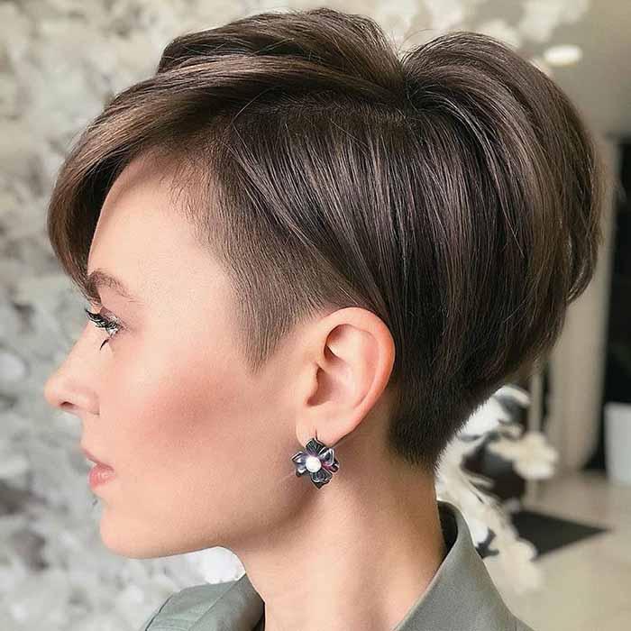 Стрижка женская пикси-боб на прямые волосы