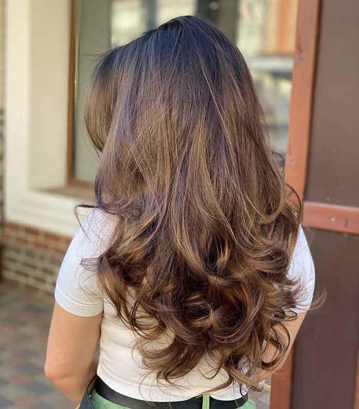 Стрижка аврора на длинные волнистые волосы