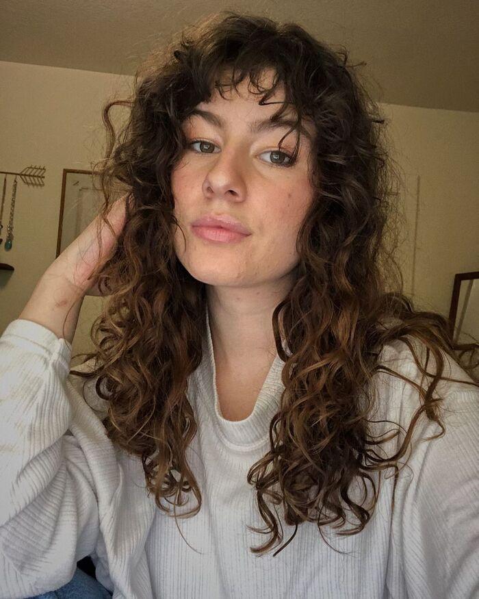 Стрижка шегги на волнистые длинные волосы